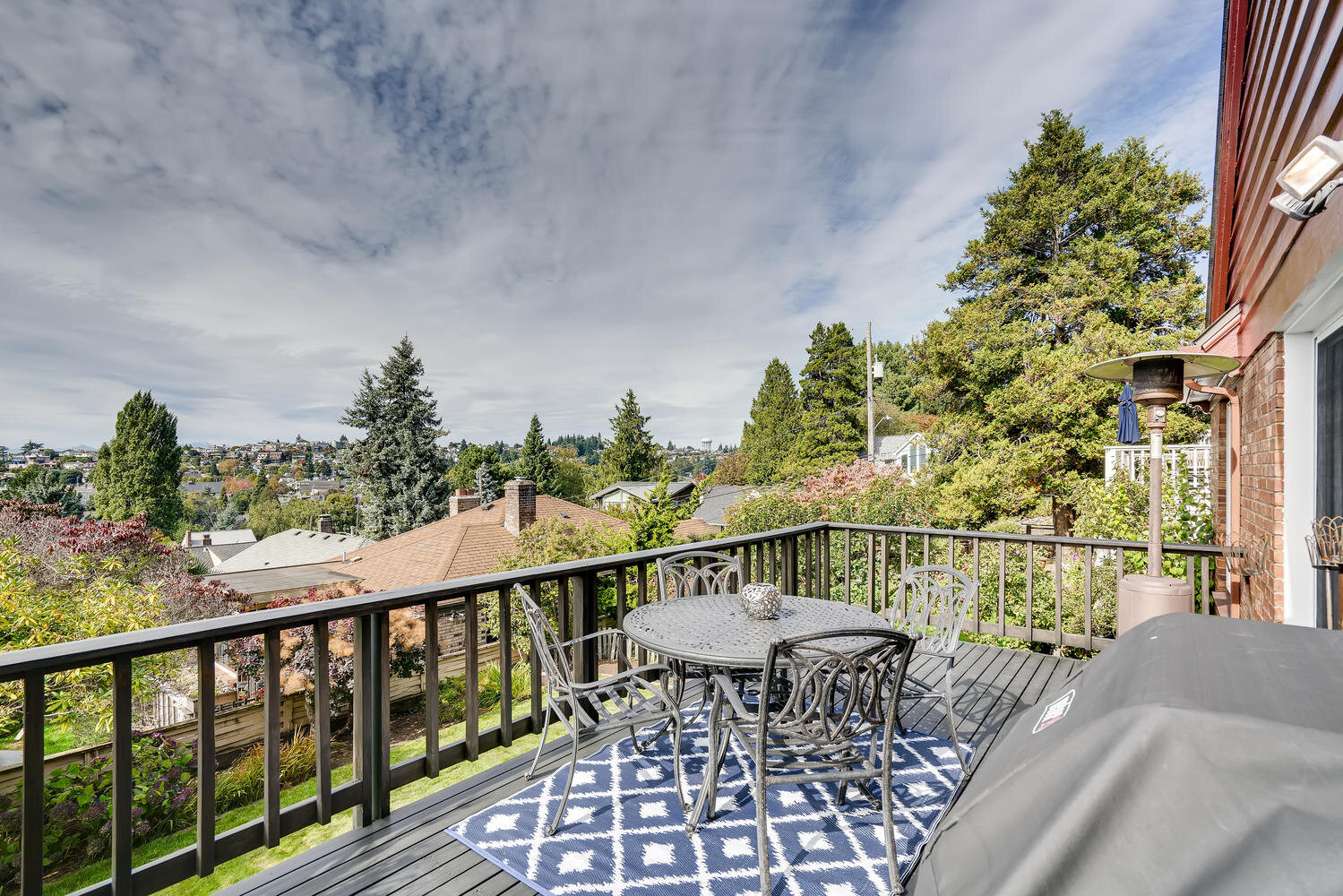 2111 29th Ave W Seattle WA-large-030-026-Deck-1500x1000-72dpi.jpg