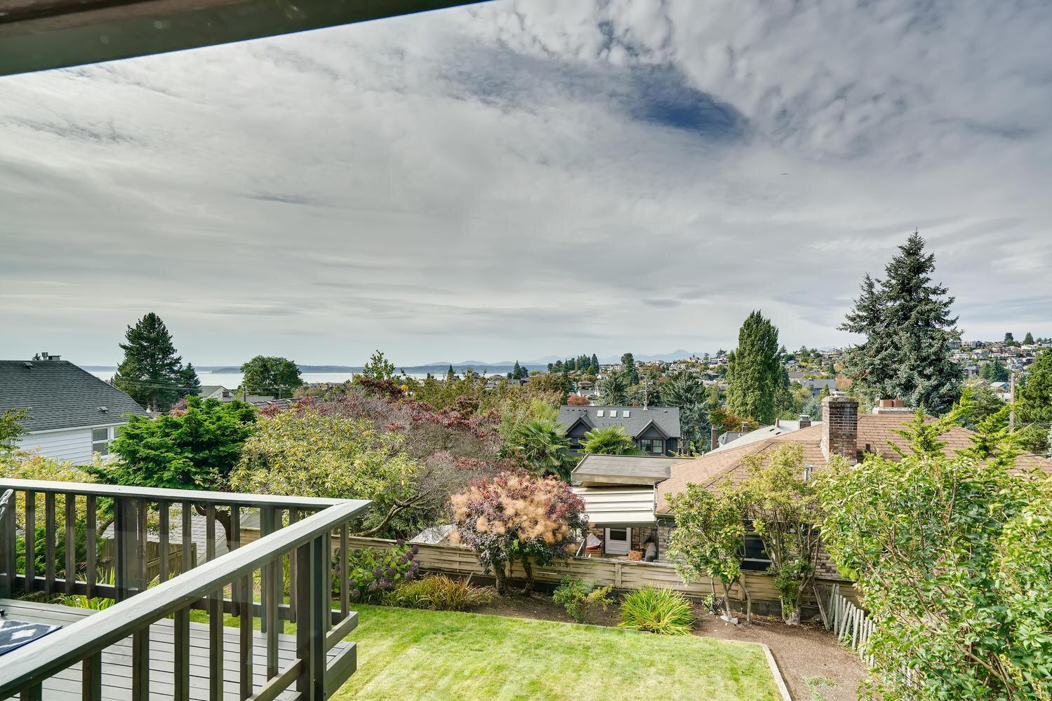 2111 29th Ave W Seattle WA-large-038-015-Views-1500x1000-72dpi.jpg