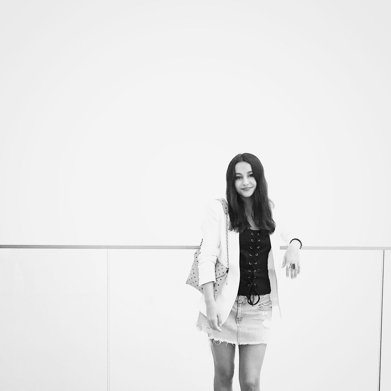Victoria Palma - Photo Styling Intern