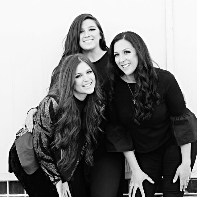 ✨Introductions✨ We're three sisters born and raised in Las Vegas. As one of the founding families in Las Vegas, we are passionate about pouring into this city both personally and professionally. We have called Las Vegas home for over 100 years. ⁣⠀ ⁣⠀ •Megan Tiedge (the oldest): Director of Business Development ⁣⠀ •Sara Buckley (middle child): Director of Social Media⁣⠀ •Briana Ramos (the baby): Founder / Creative Director⁣⠀ ⁣⠀ With the help of an incredible team outside the three of us, we now have offices in OKC and Las Vegas 💖⁣⠀ ⁣⠀ ⁣⠀