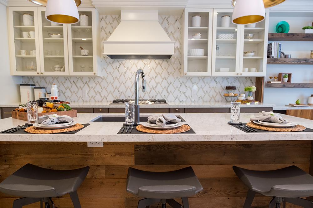 411_Kitchen_Wide03.jpg