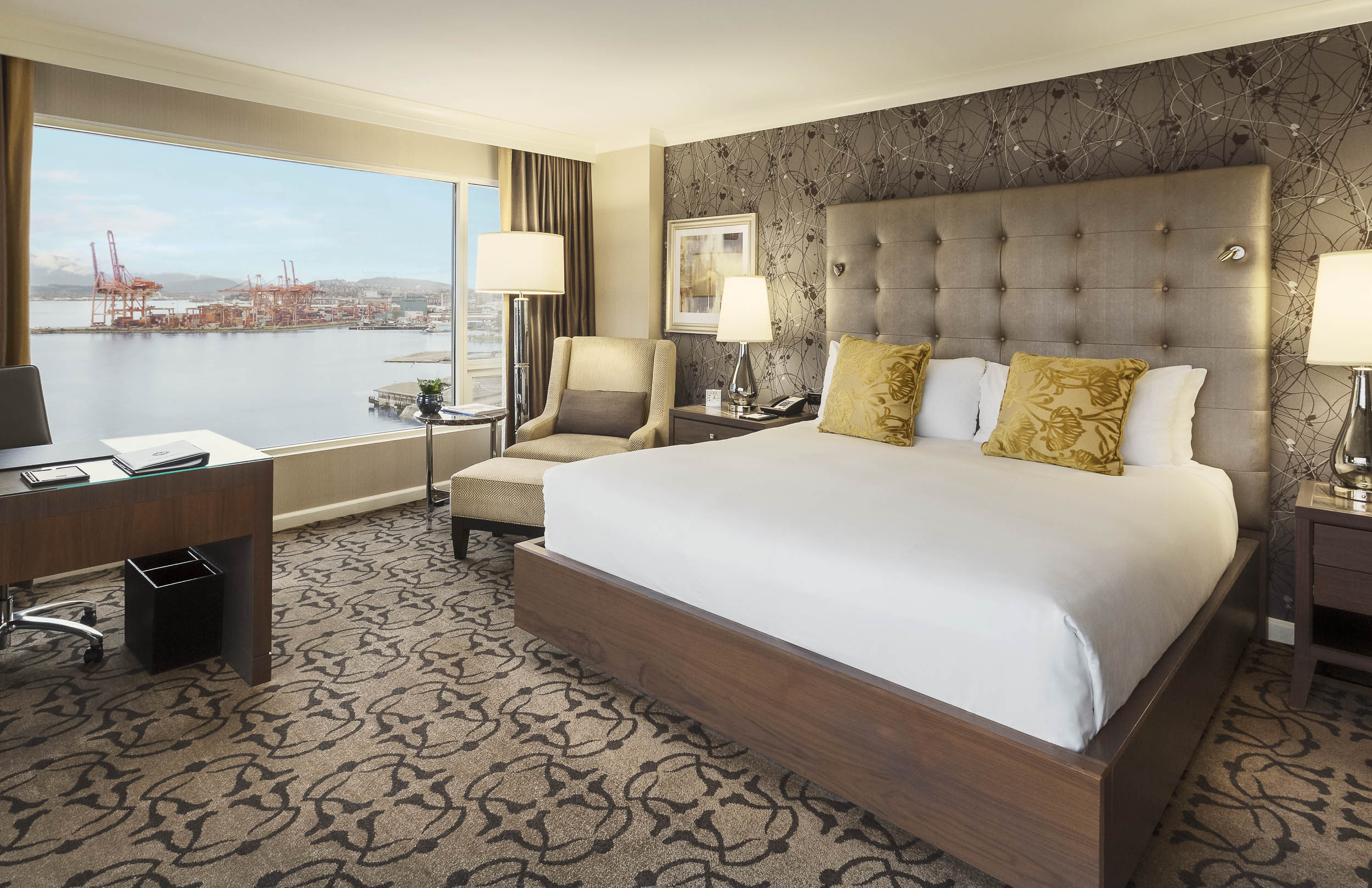 Fairmont_WaterFront_Room-after.jpg