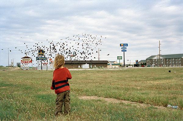 "Justine Kurland, ""Untitled (Birds),"" 2008. Image credit: Aperture Foundation."