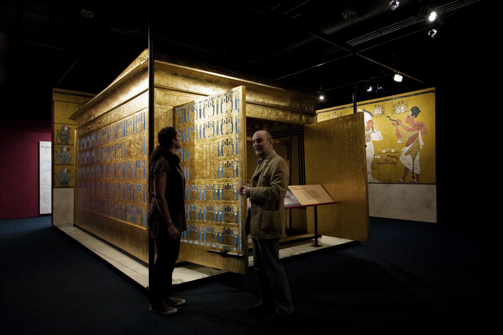 """Installation view: """"Tutankhamun: His Tomb and His Treasures,"""" Museum of Museums, Manchester. Image credit: Flickr user Ann Wuyts ."""