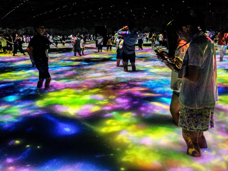 Installation view of teamLab's  DMM.PLANETS . Image courtesy of Flickr user  antjeverena .
