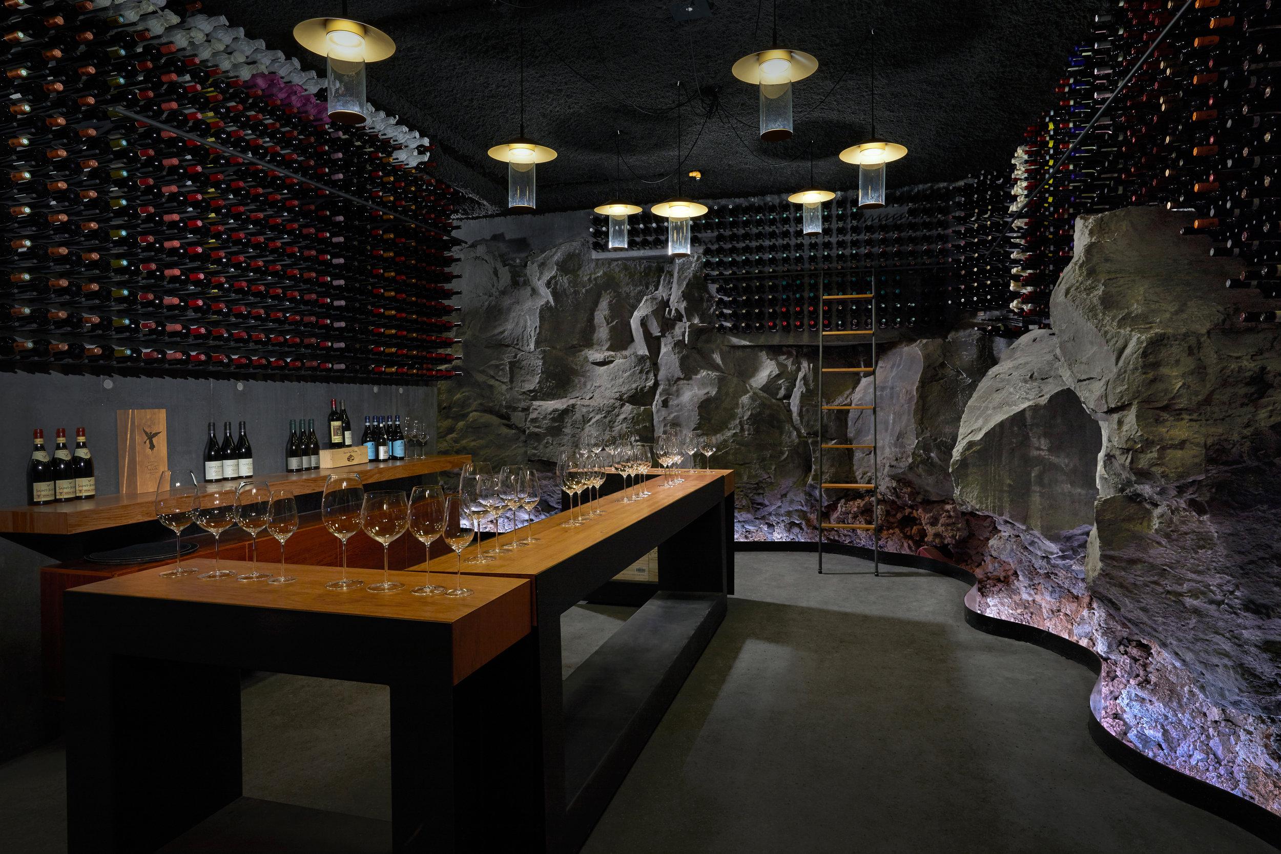Retreat_Wine_cellar_wine_tasting.jpg