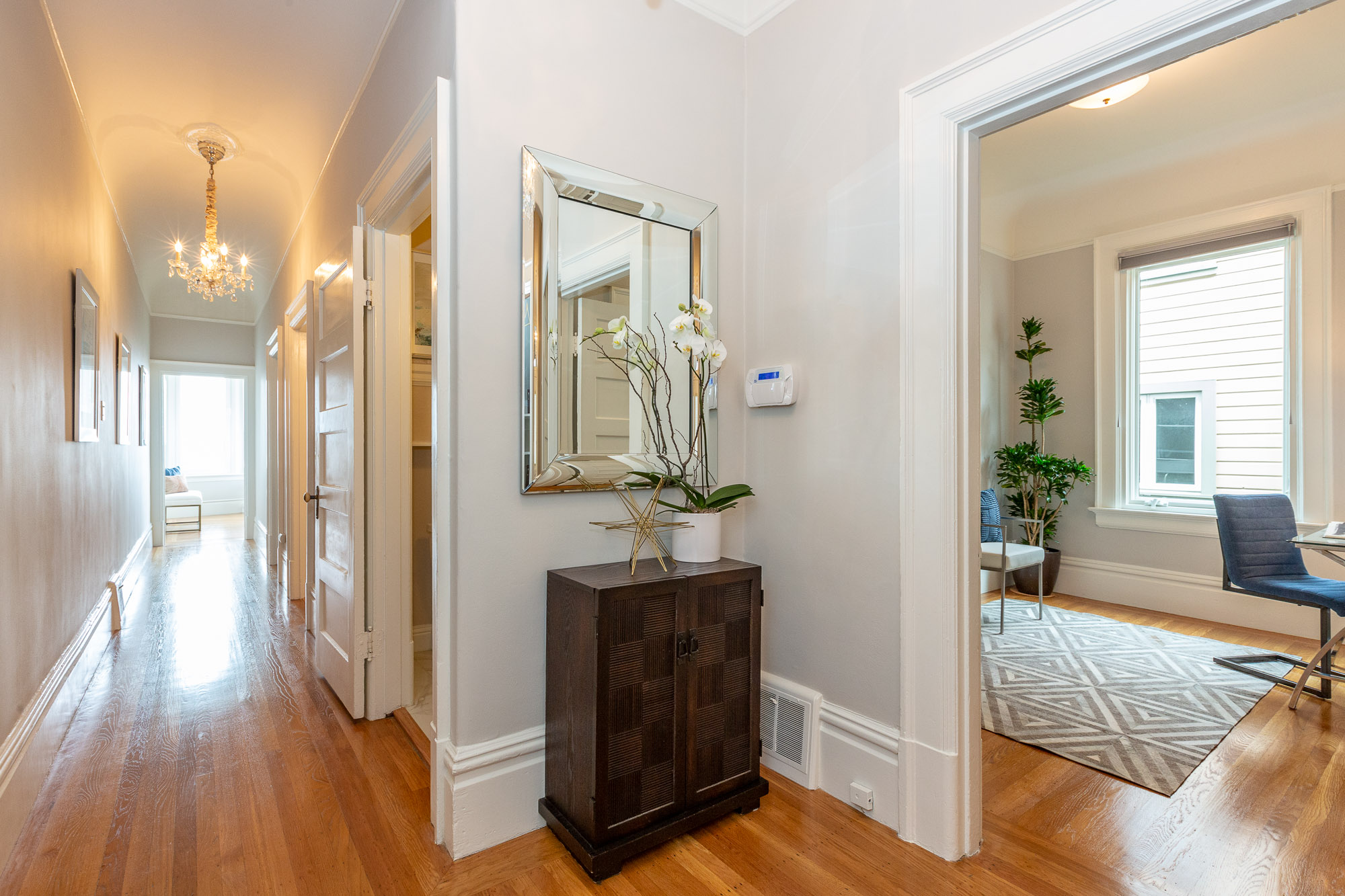 972 Union Street, San Francisco - Entry Hallway