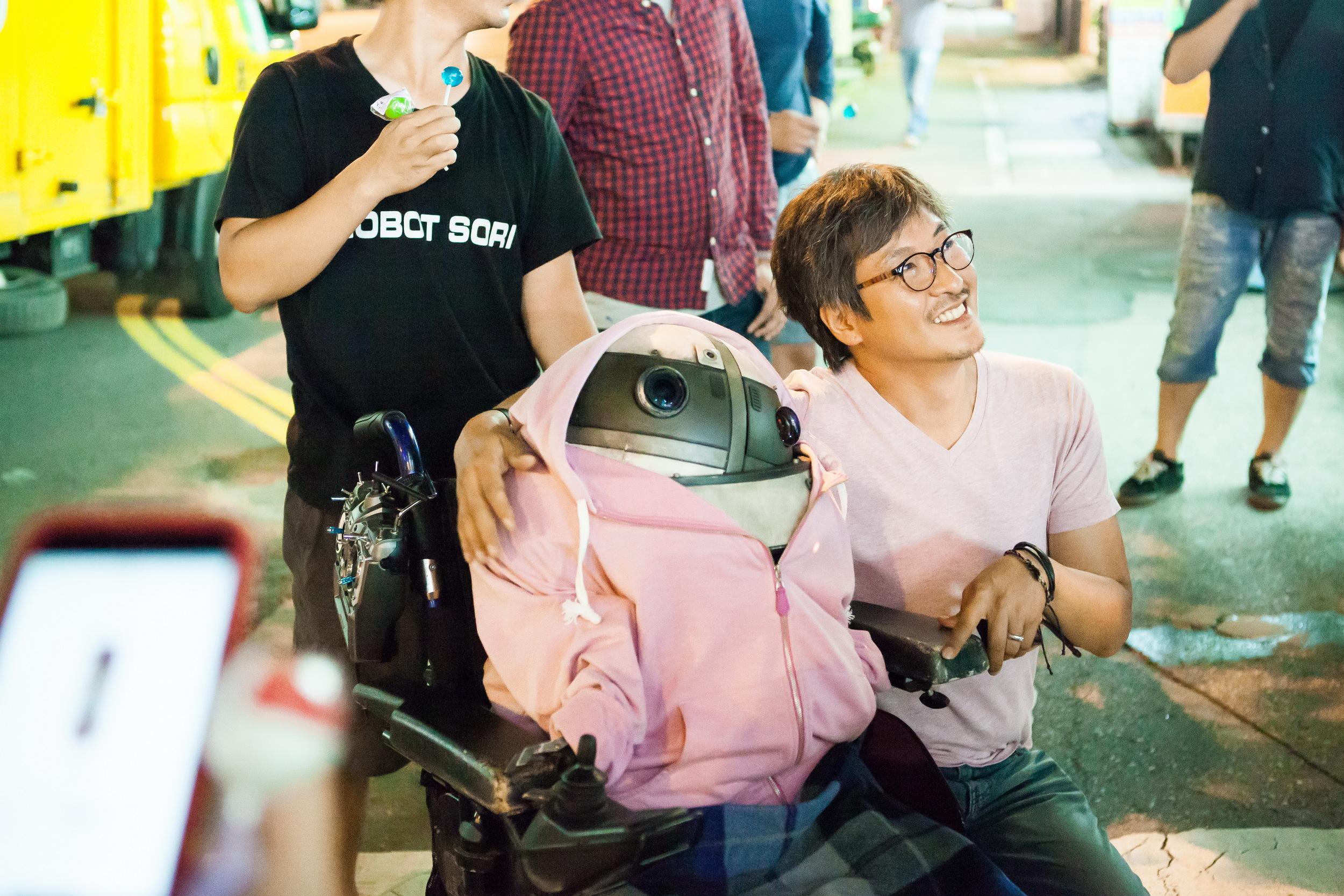 Director Lee Ho-Jae on the set