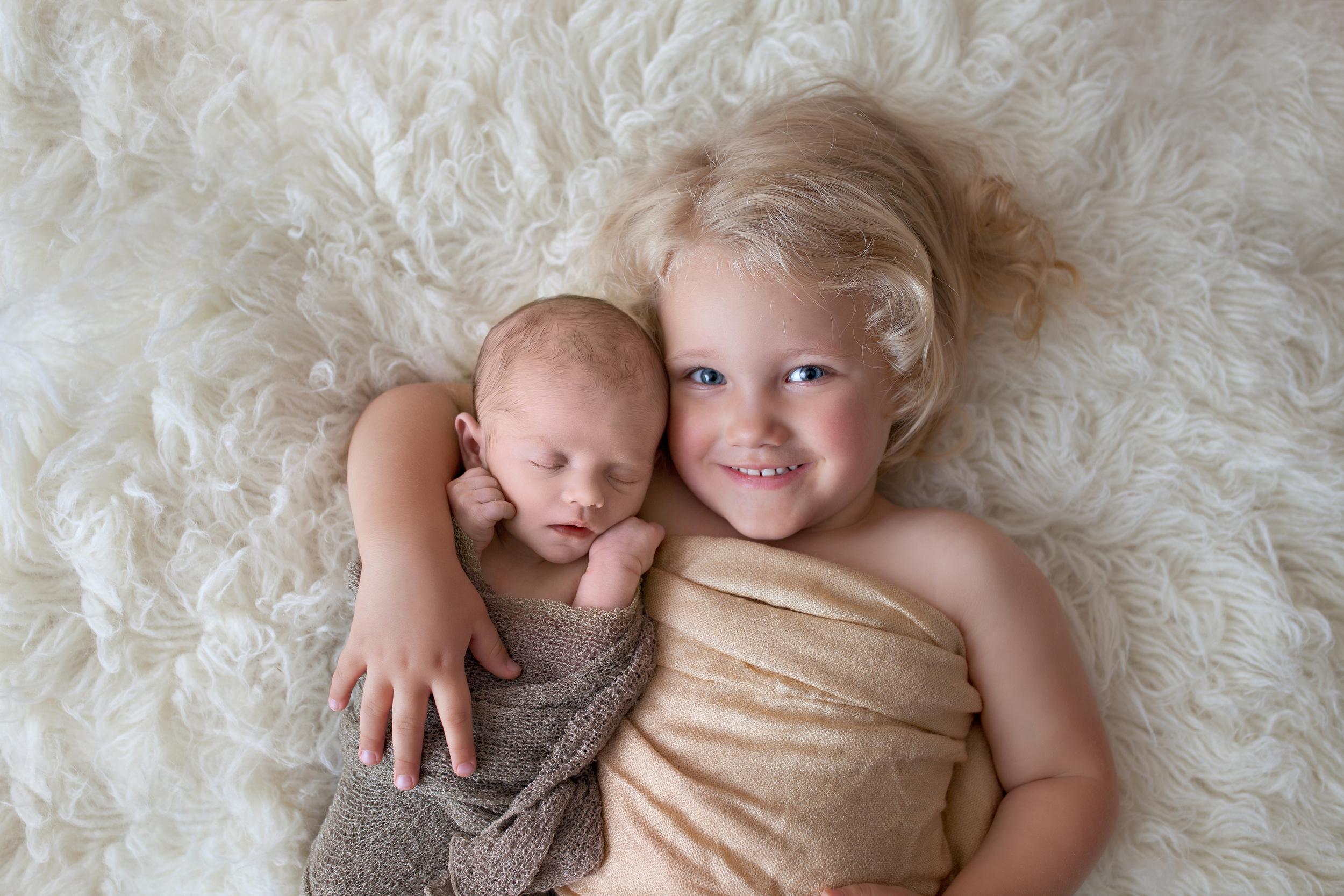 Worthington Photographer, newborn photography session