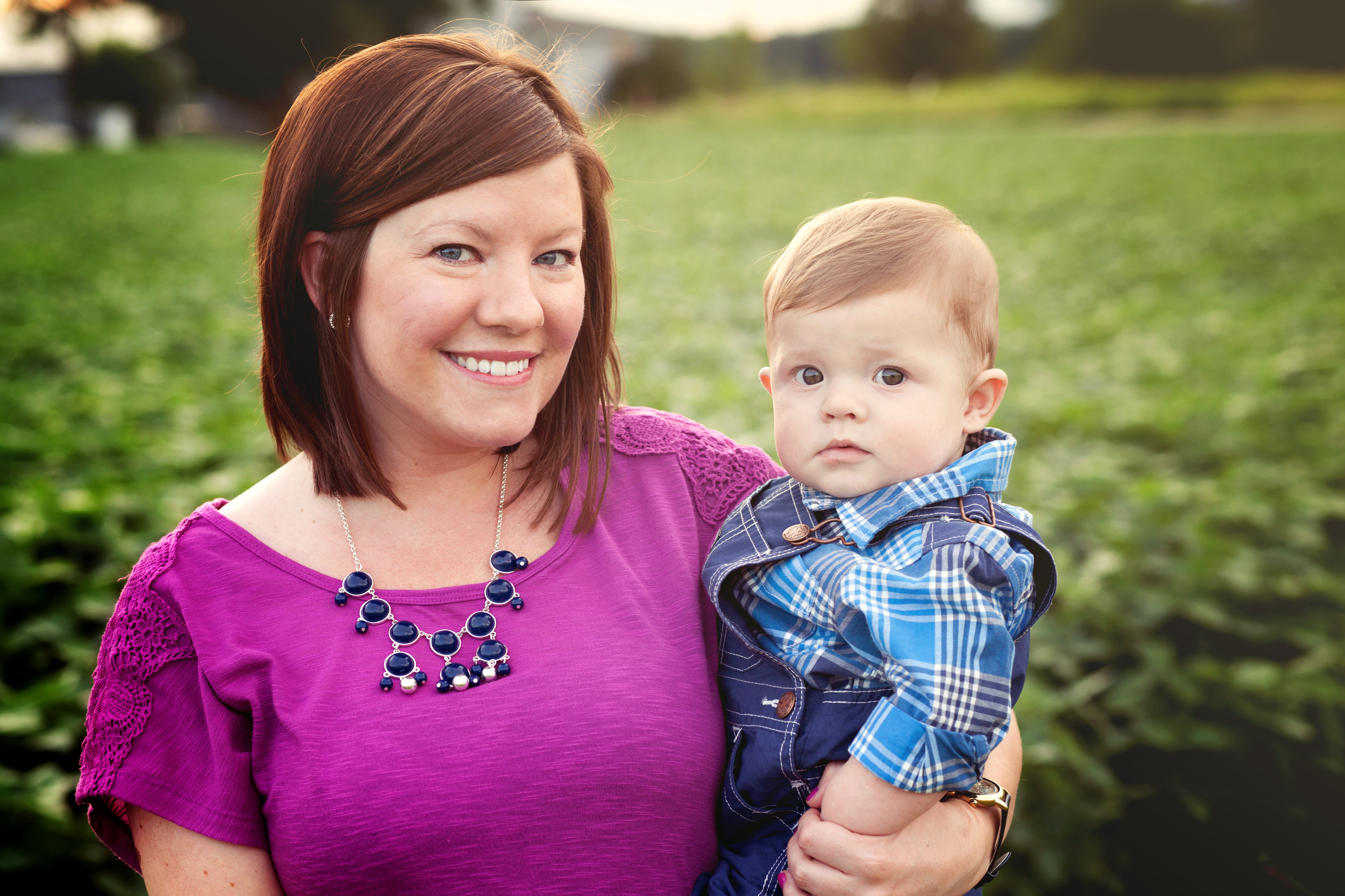 Worthington, Ohio photographer.  Powell Studio offering family, children and newborn sessions. Megan V photography.