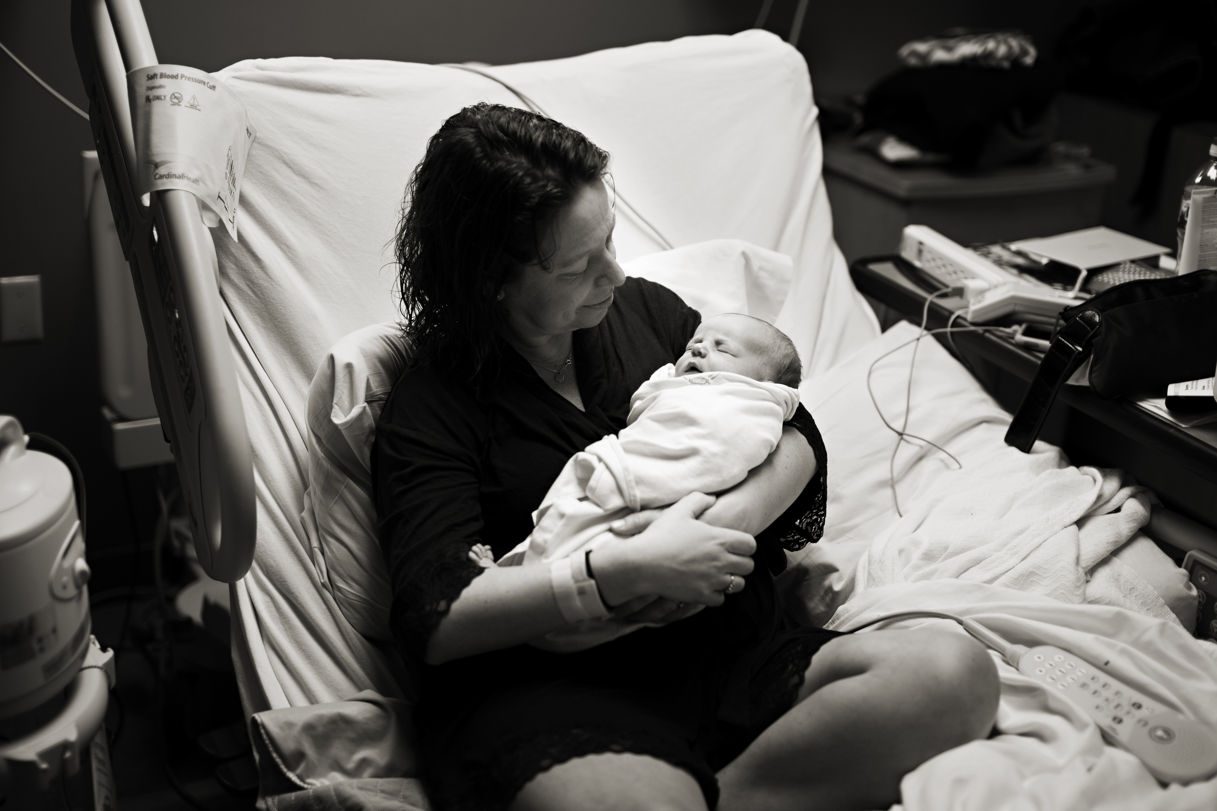 Columbus, Ohio Newborn Hospital photography.