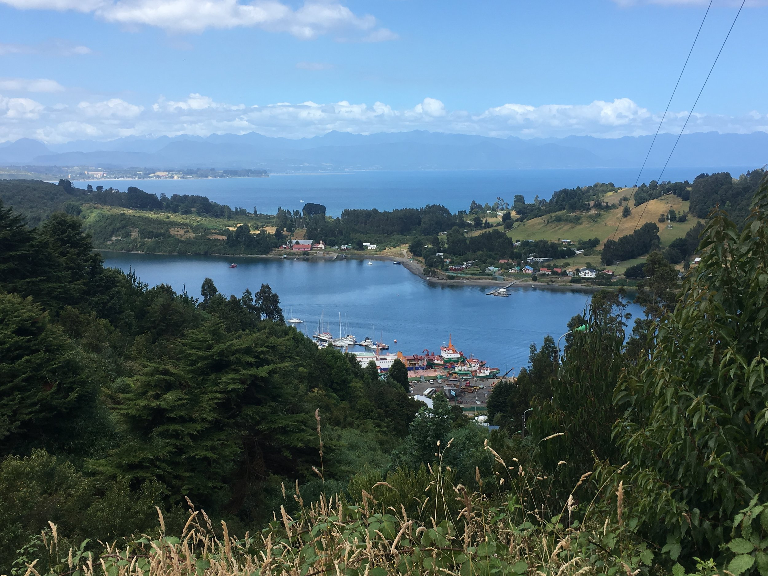 On the mainland, I hiked up a long set of stairs to the ridge, overlooking Isla Tenglo and the Club Nautico Reloncavi.