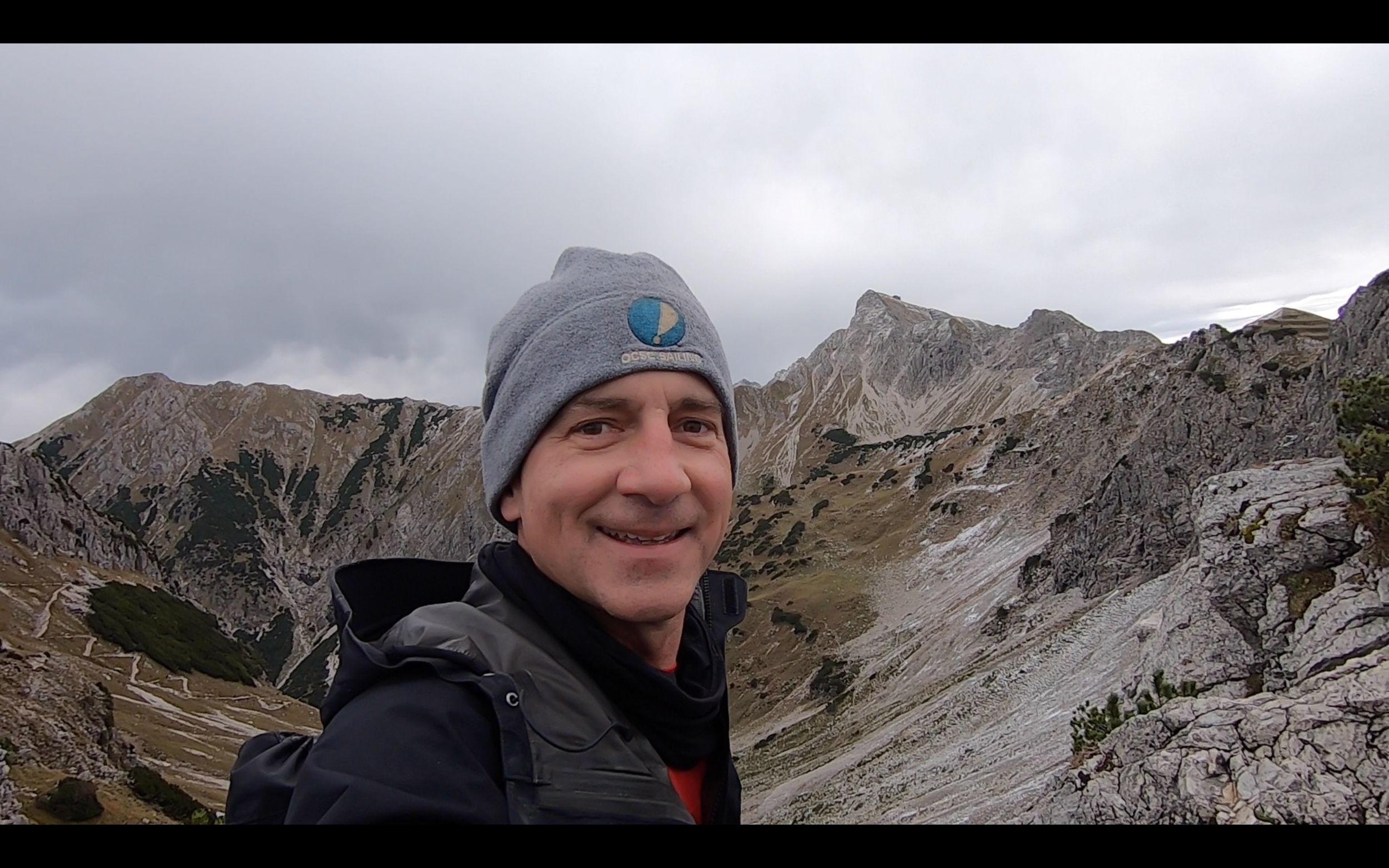 JUST 30 MIN FROM THE RUBIHORN PEAK. STOPPING FOR A SELFIE AS THE SNOW FLURRIES START!
