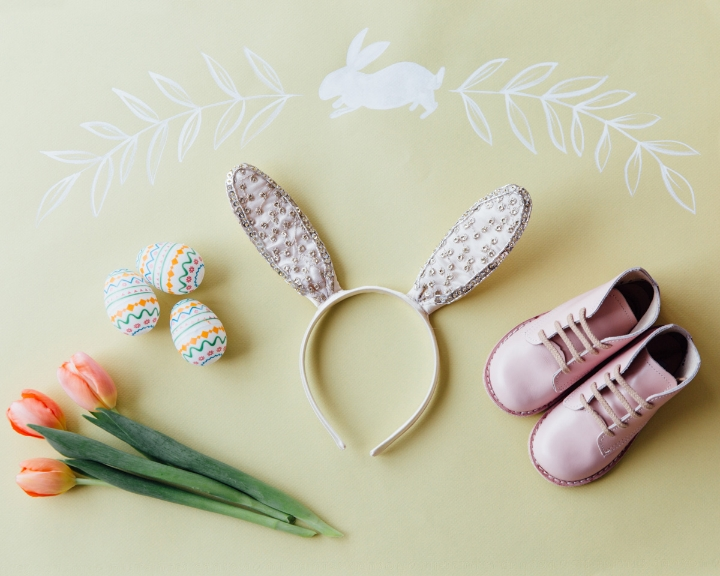 Bunny Ears: Anthropologie, Shoes:  Zimmerman Shoes , Artwork: Whitney Perdue Designs, Styling: Mari Spiker, Photo: Stephanie Sunderland Photography