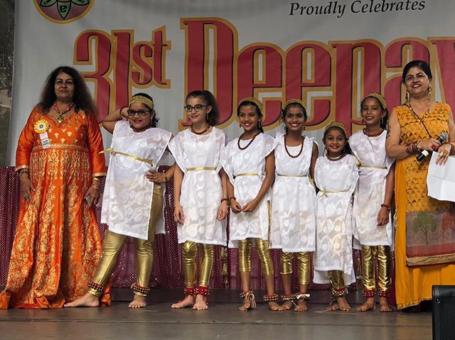 Our Minor Advanced girls did an AMAZING job at the 31st annual AIA Deepavali Festival (@aiadeepavali) @ South Street Seaport! 💕 . . . . . #NYC #LI #NewYork #LongIsland #dancer #artist #family #culture #SouthAsia #therapy #choreographer #NewHydePark #Hicksville #adults #kids #teacher #NartanRang #NartanRangDanceAcademy #NrityaRanjani #BharatiyaVidyaBhavan #bharatnatyam #kathak #fusion #classical #semiclassical #Bollywood #Deepavali #Diwali #SouthStreetSeaport #AIADeepavali