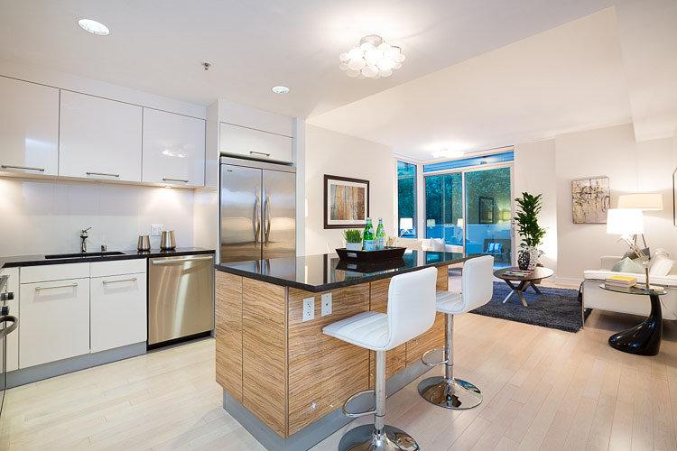 631 Folsom St #2C |  YERBA BUENA | San Francisco  2 Bed | 2 Ba |  BLU  Luxury Corner Unit | 1Parking    $4800 per Month