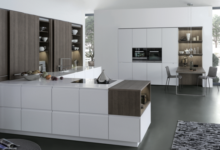 Eye-catching ash wood connects the kitchen with the rest of the living space -LEICHT Küchen AG