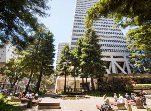 Open at all times, this lovely landscaped urban green space sits at the base of the Transamerica Pyramid and has towering redwoods, a water fountain, sculptures and seating galore.
