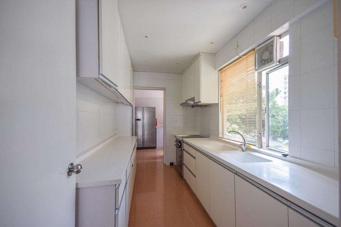 Kitchen3-web.jpg