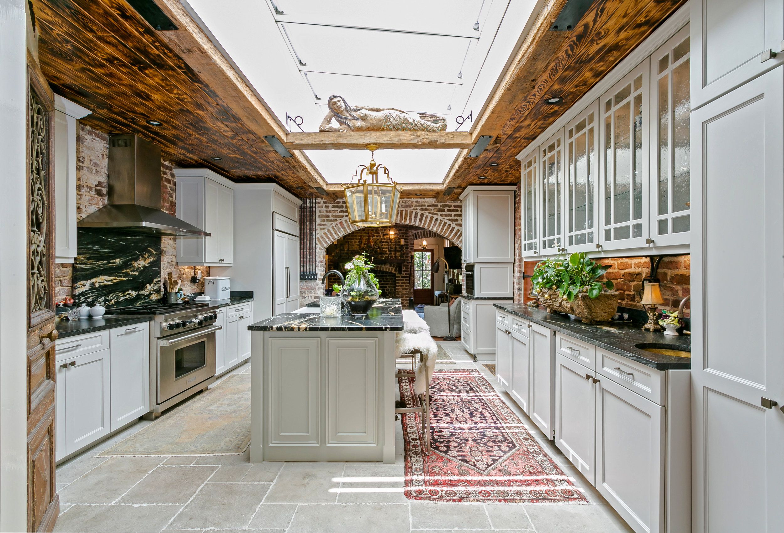 [Photography: Callie Cranford, Charleston Home + Design magazine]