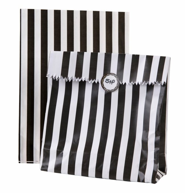 Magic favour bags and stickers.jpg