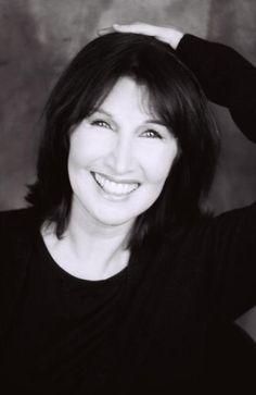 Her celebrity twin, Joanna Gleason.