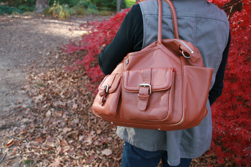 Unclip the big strap, and it's a shoulder bag!