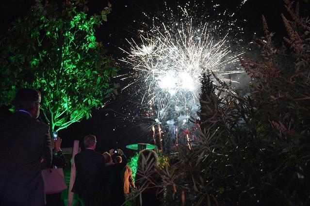 Les 15 ans d'Abaques au Manoir du Prince 🥂🎆 Hier soir, la société ABAQUES Audiovisuel a soufflé sa 15ème bougie au Manoir du Prince. Une soirée magnifique durant laquelle nos cinq sens ont été renversés 🤩. Des jeux de lumières à couper le souffle, des animations incroyables, un cocktail dinatoire de qualité et un feu d'artifice éclatant✨. — Le Manoir du Prince est un lieu de réception à Toulouse géré par Miharu. Plus d'infos www.miharu.fr — #manoirduprince #occitanie #toulouse #event #art #artcontemporain #lemanoirduprince #lieudereception #audiovisuel #anniversary #feudartifice #eventpros