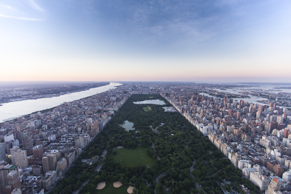 Central Park.   Canon 6D, Canon 16-35mm f/2.8L @16mm (iso1250, f/2.8, 1/320s)