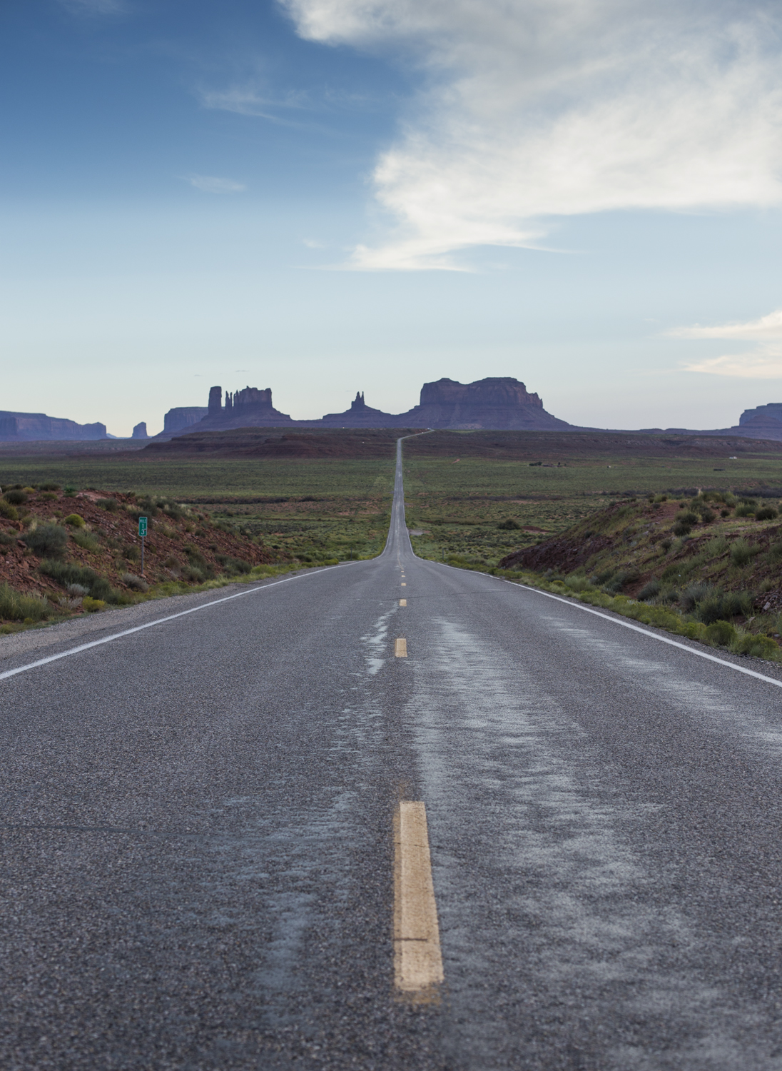 A look down the road to Monument Valley  Canon 6D, Canon 50mm f/1.4 (iso320, f/4, 1/500s)