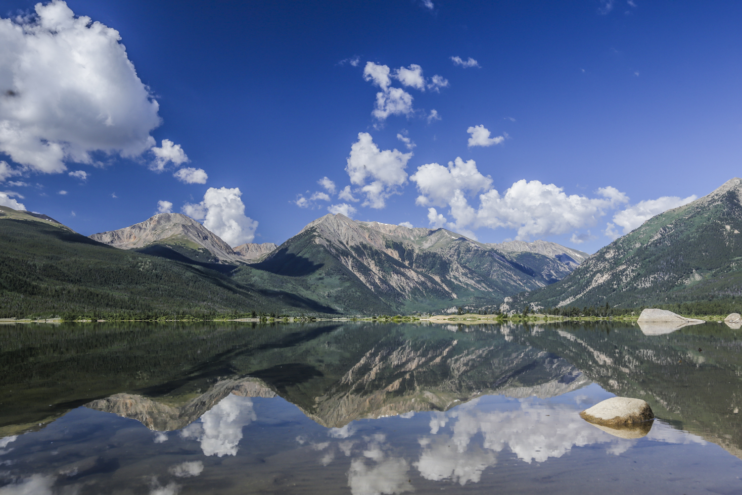 Twin Lakes  Canon 6D, Canon 16-35mm f/2.8L @35mm (iso200, f/11, 1/125s)