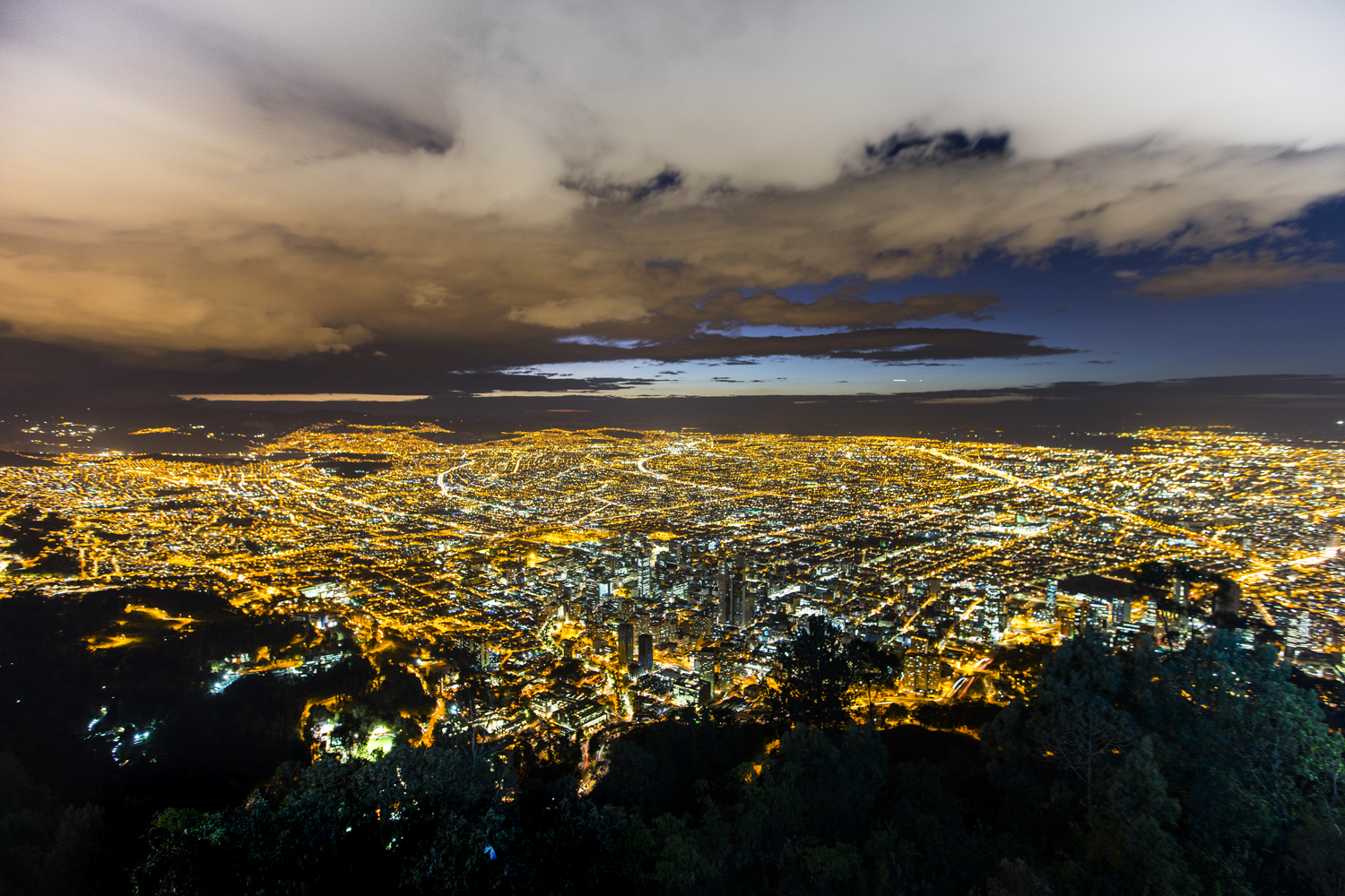 We took a ride to the top of Mount Monserrate which was over 10,000 ft above sea level and my ears actually popped on the ride up....in a cable car. The mountain offered insane views of the city which we caught just in time for sunset.   Sony A7II, Canon 16-35mm f/2.8L II @16mm (iso100, f/4, 5s)