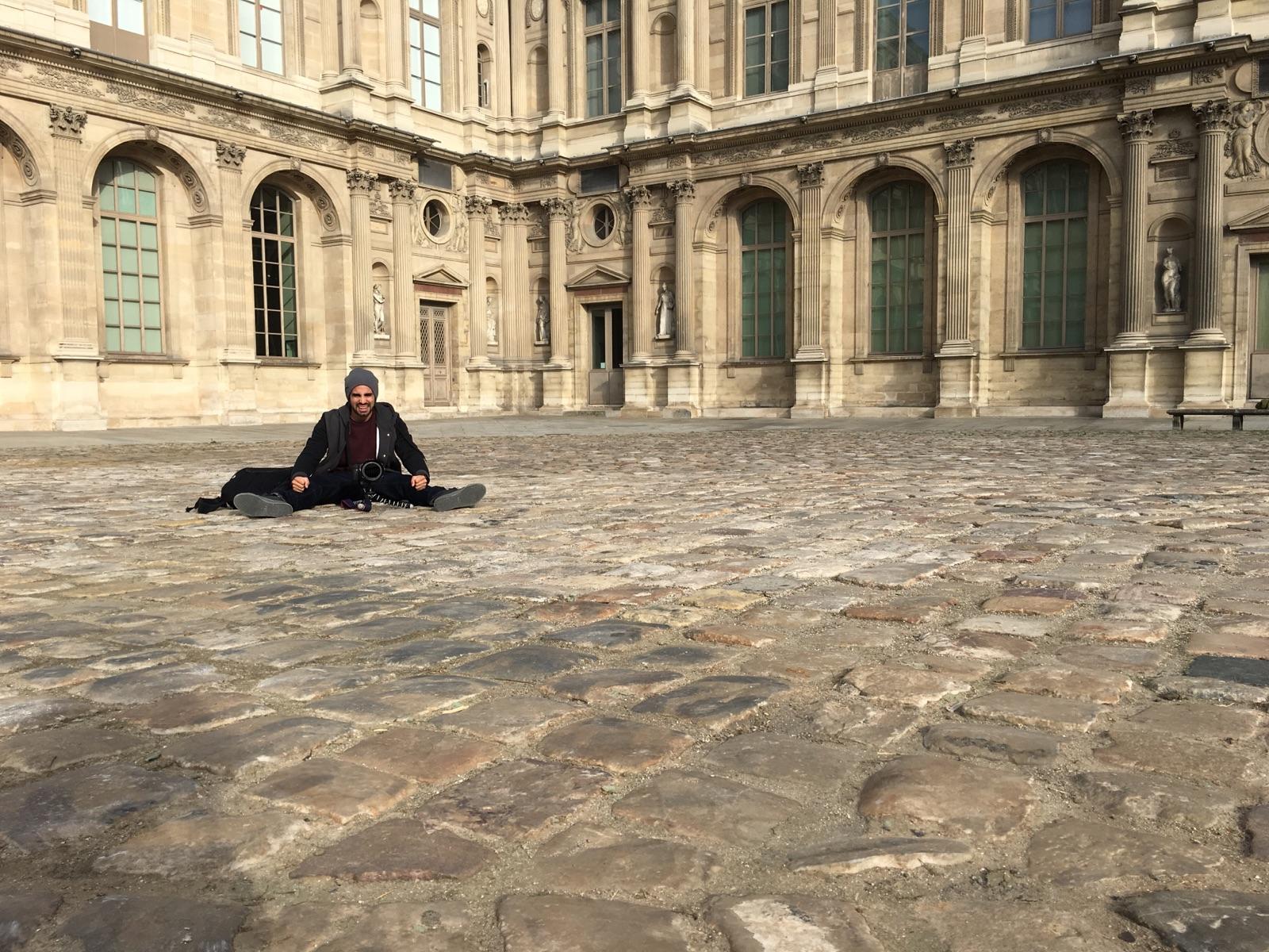 austin paz the lourve paris