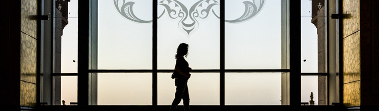 reflection portrait emirates palace austin paz amanda lee