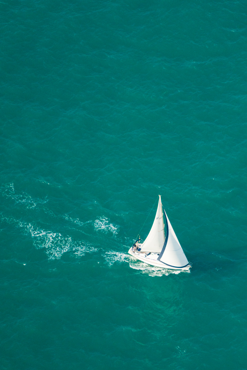 Probably nice to be sailing in these waters.  Sony A7RII, Sony 55-210mm f/4.5-6.3 (iso400, f/6.3, 1/2000s)