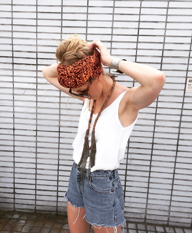 Cecilie wears :  Shorts -Chatuchak Market (Bangkok)  Headscarf - Thai Market  Top - H&M  Shoes - Danish Boutique  Necklace and bracelet - Borrowed from a friend