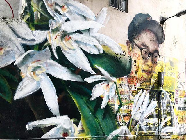 Hong Kong walls are the best walls...#hkwalls 🎨#guseagleton . . . . . #discoverhongkong #streetart #explorehongkong #hkiger #instahk #hongkongstreets #lovehk #streetart #arteverywhere #streetsofhk #hongkong #hk #urbanart #graffitiart #graffitihk #graffitiartist #graffitiarteverywhere #colourfulcities #colorfulcities #paintthewalls