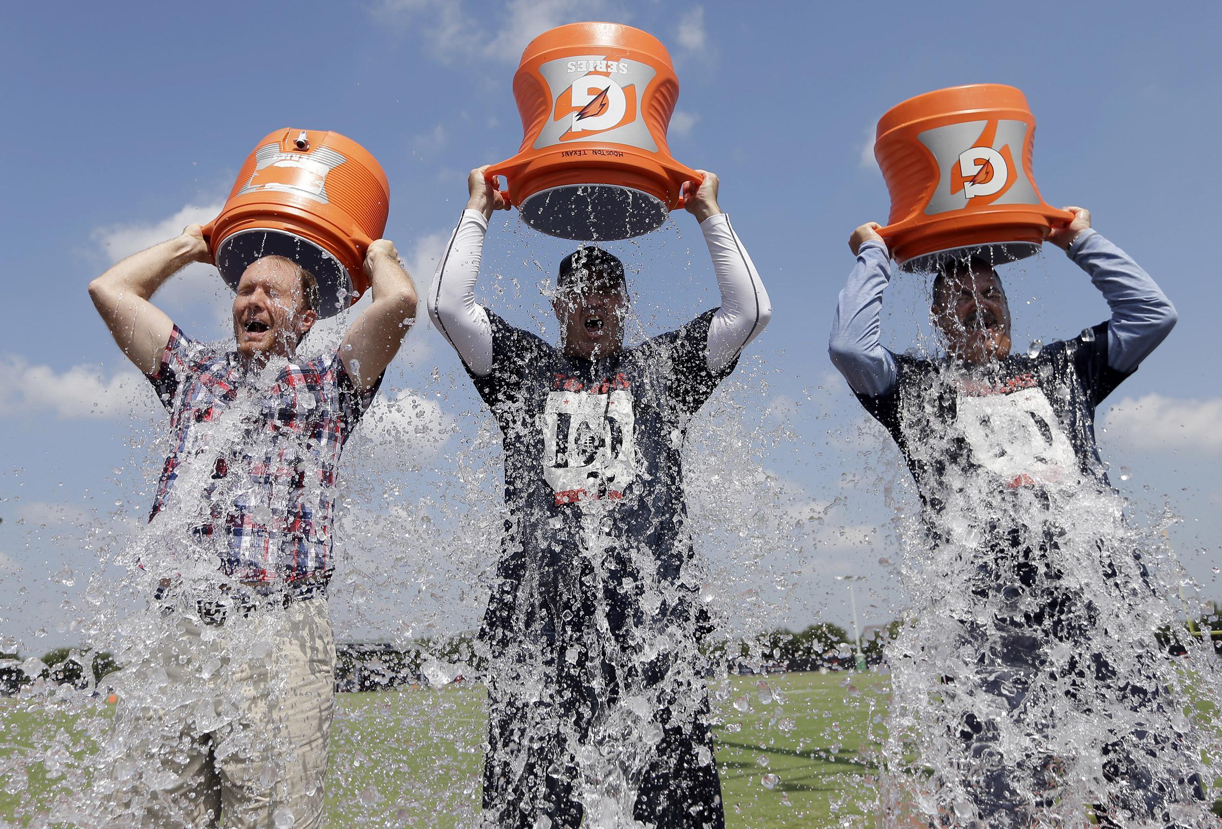 140819-ice-bucket-challenge-1949_899e03e1c58b45b56812f96bc79680a6.jpg