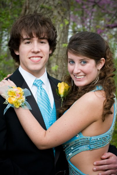 Liz and Weston are middle school sweethearts and this photo makes me so happy!