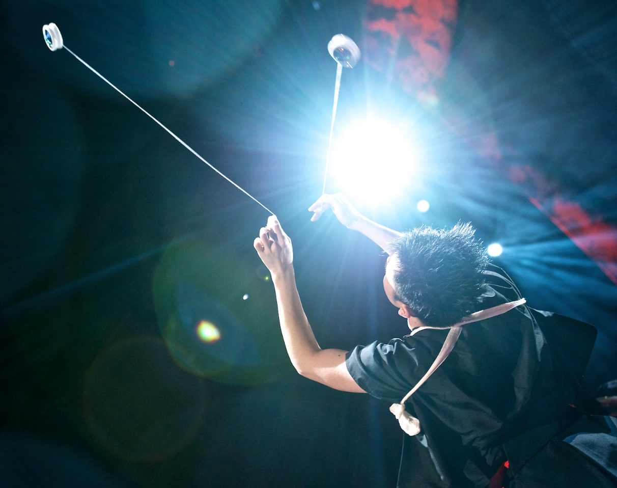 An iconic TED presenter using power and creativity with his Yo-yos. Photos by  Duncan Davidson