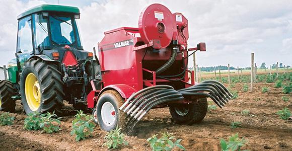 Valmar 1255 Pull-type inter-row applicator