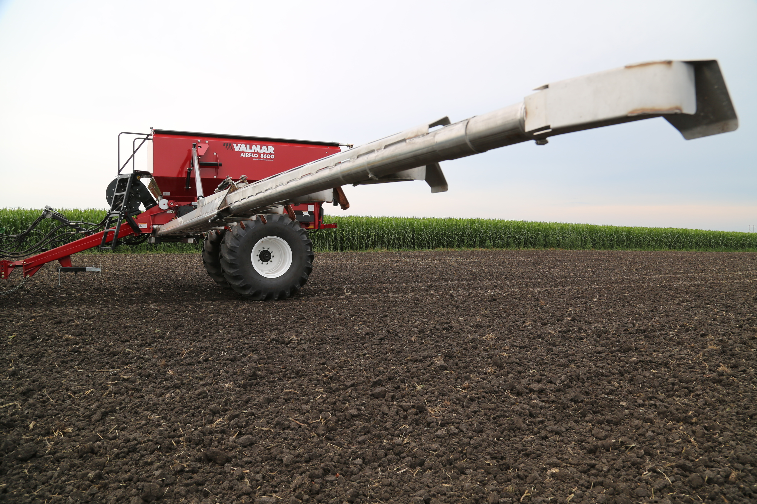 AirFlo 8600 Fertilizer Spreader (5/9)