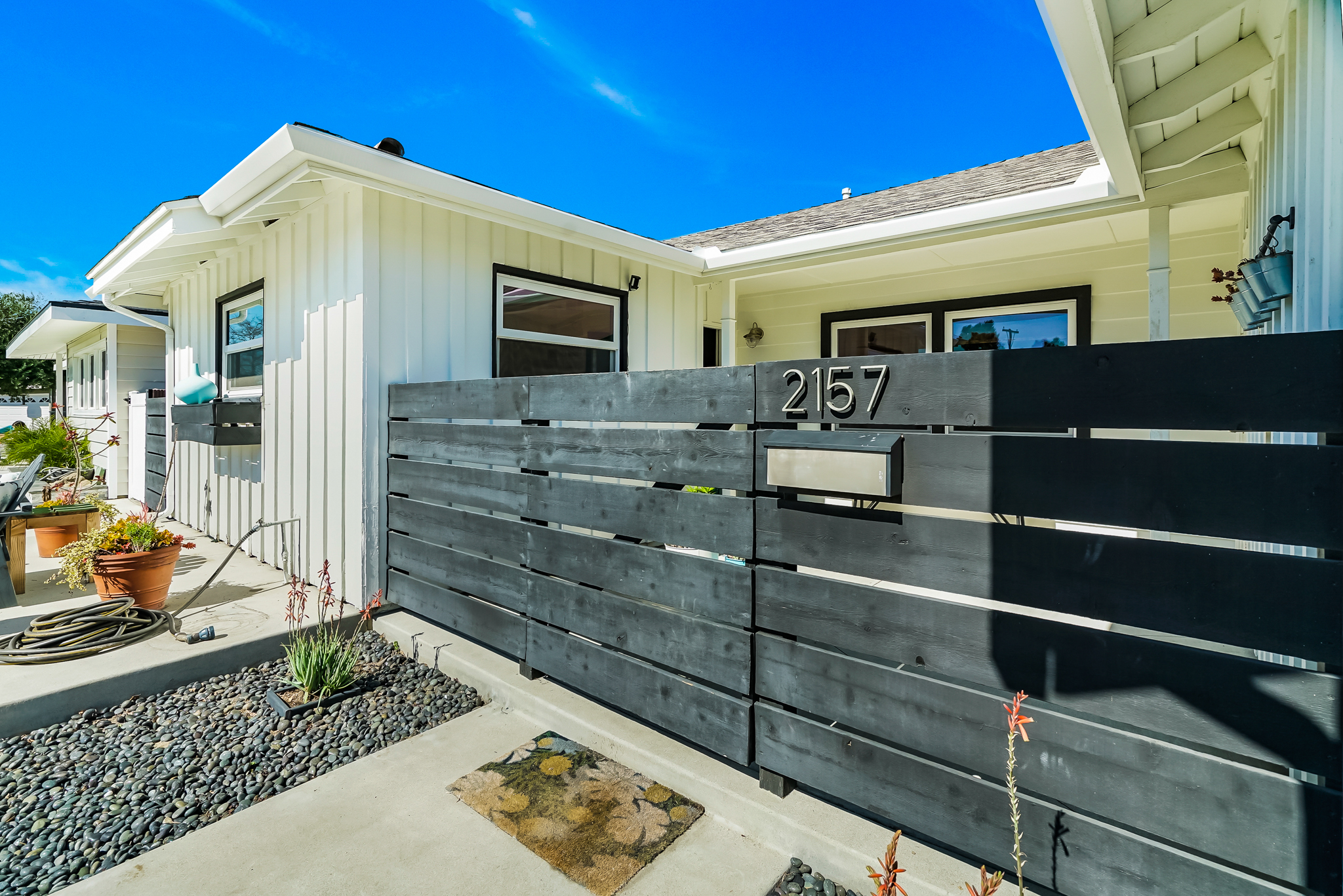 2157 Pattiz Ave, LB_MLS_6.jpg