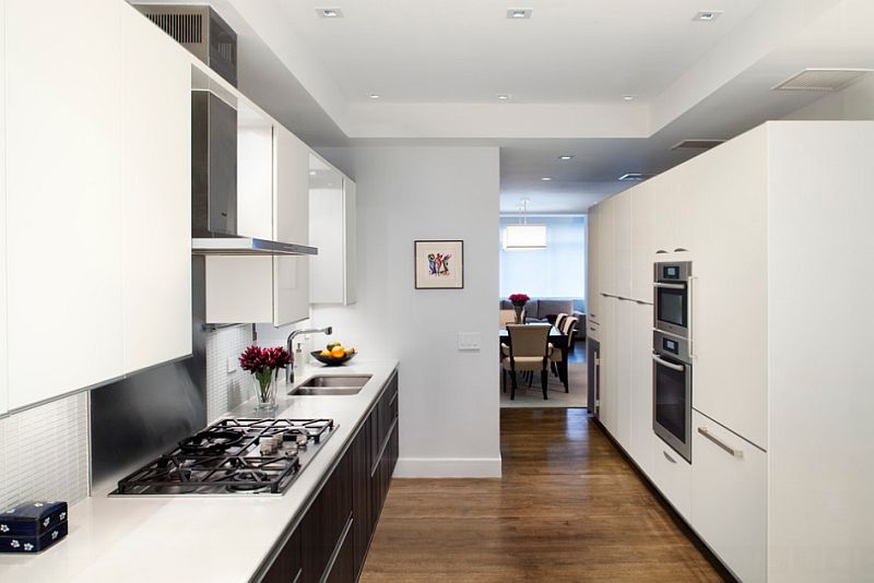 Smart-NYC-home-kitchen-uses-black-in-a-restrained-fashion.jpg