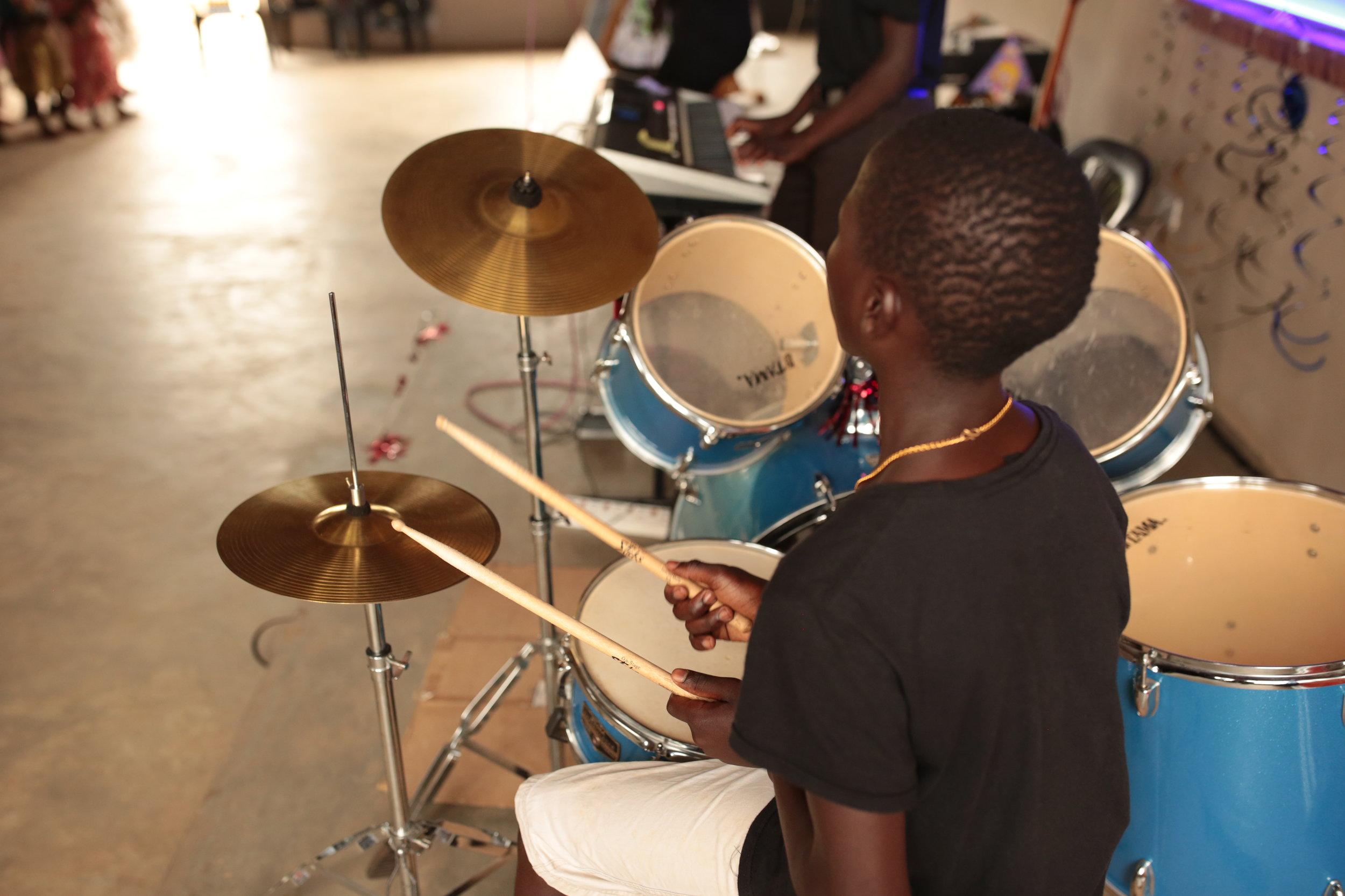 KIDS ON THE MOVE - UGANDA -