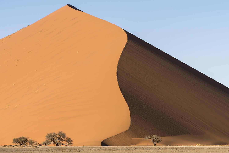 Sossusvlei'deki dev kum tepesi