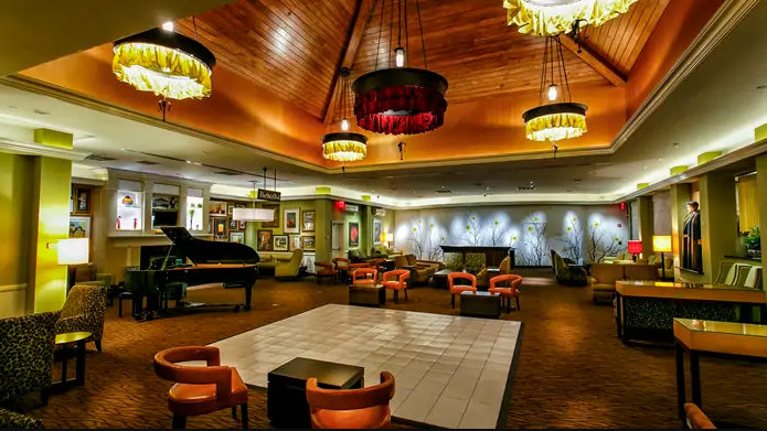 Hilton Garden Inn - Lobby Lounge  Follow Them on Instagram:  HGIStatenIsland