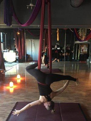 Aerial yoga 2.jpg
