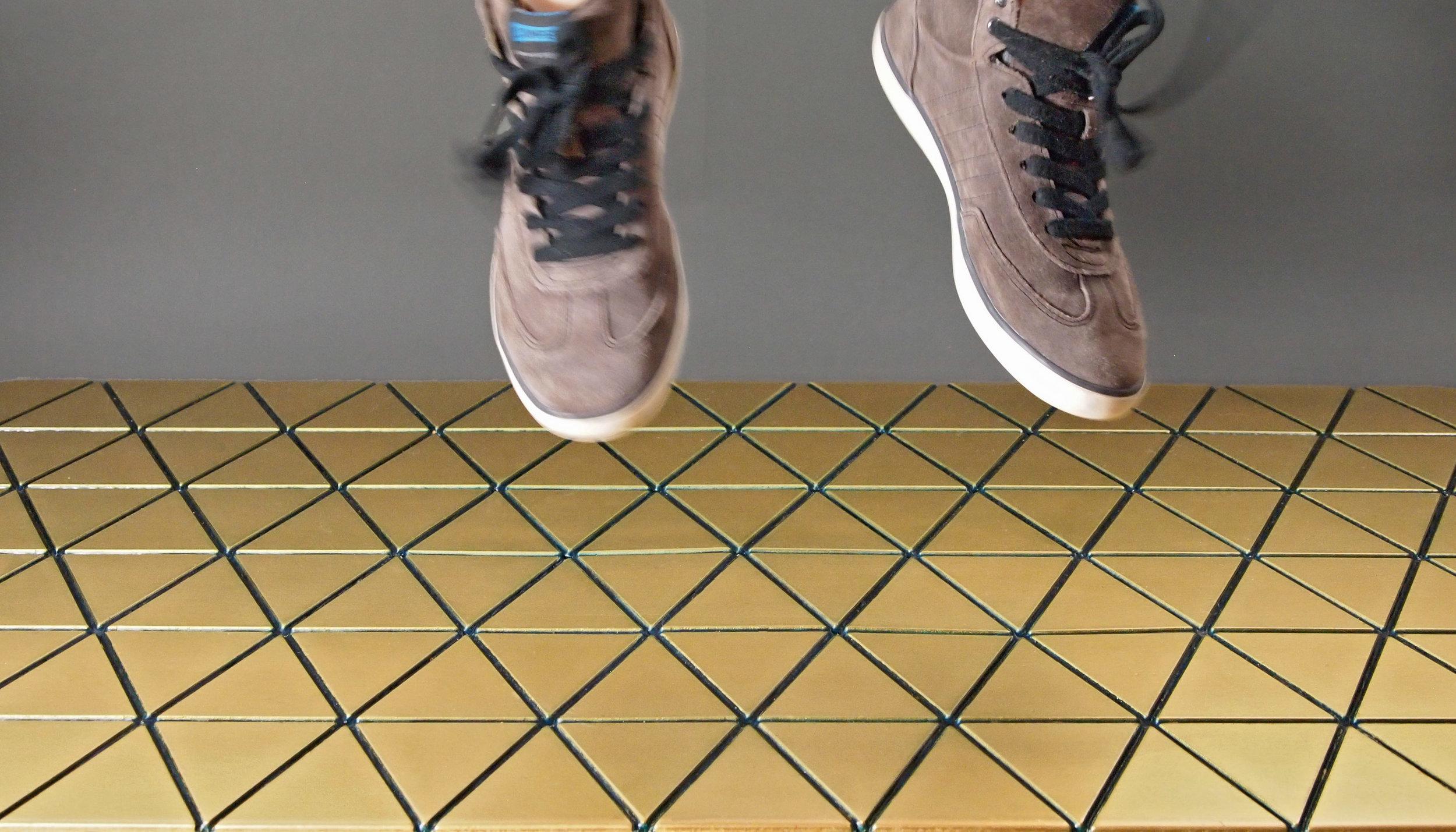 Airea Floor mat Gold jump Colored.jpg