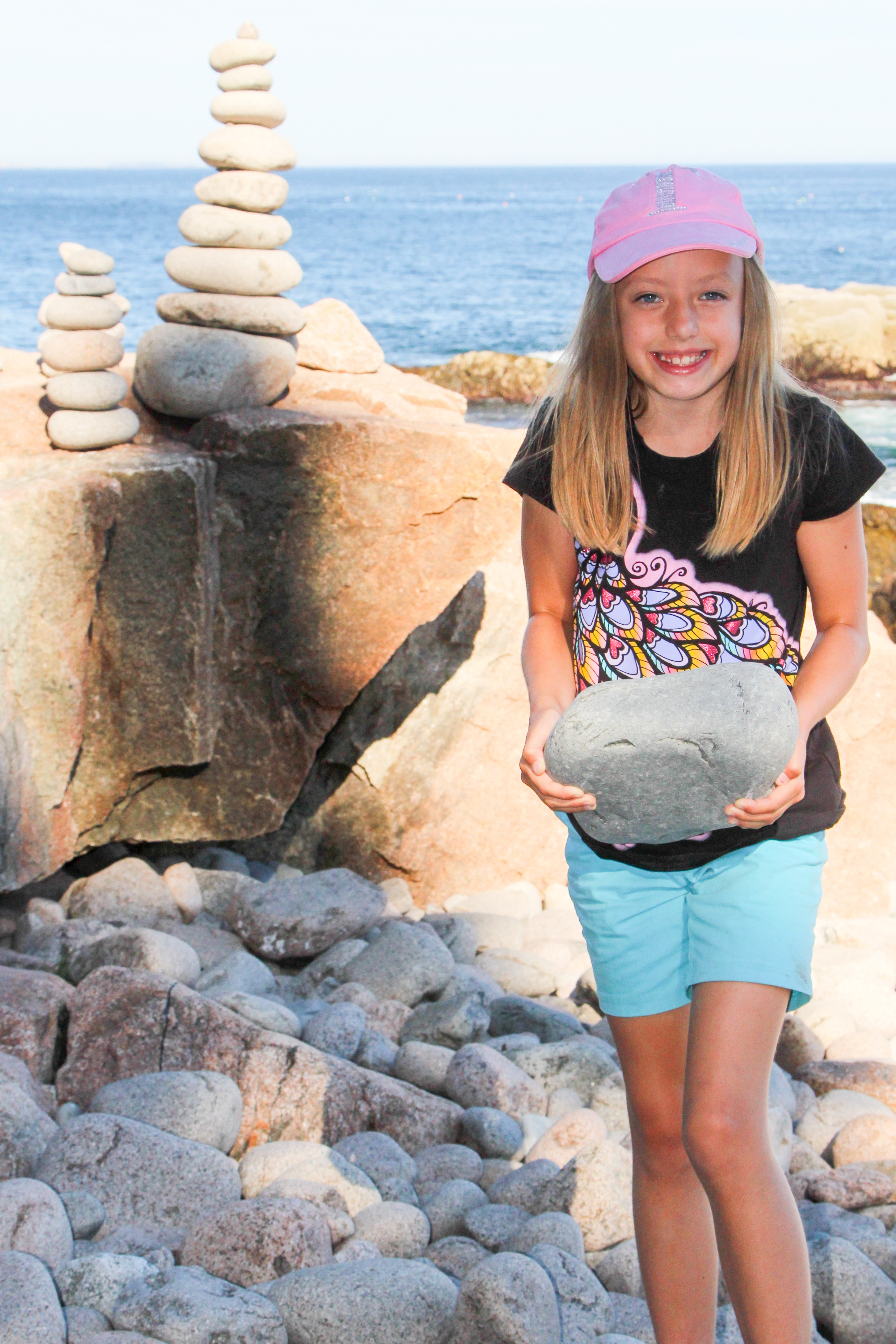 Cairns are used as trail markers along several of the hikes in the park and so they have popped up even along the beach and other places in the park. There were several standing on Boulder Beach when we down to it, and Petunia built a small one herself.